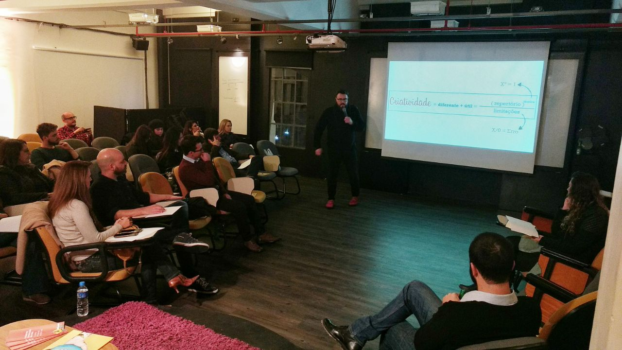 Mais de 30 pessoas participaram da última noite de debates do Punch -  evento organizado para discutir inovação e modelo de negócios -, no ... a8e5480703