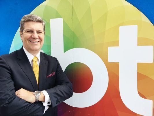 Felipe é apresentador do SBT Rio Grande – 2ªEdição e do Bah!TchêPapo, canal 520/NET-RS.